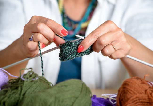 Learn to Knit Blankets, Mattress Comforters, and More!